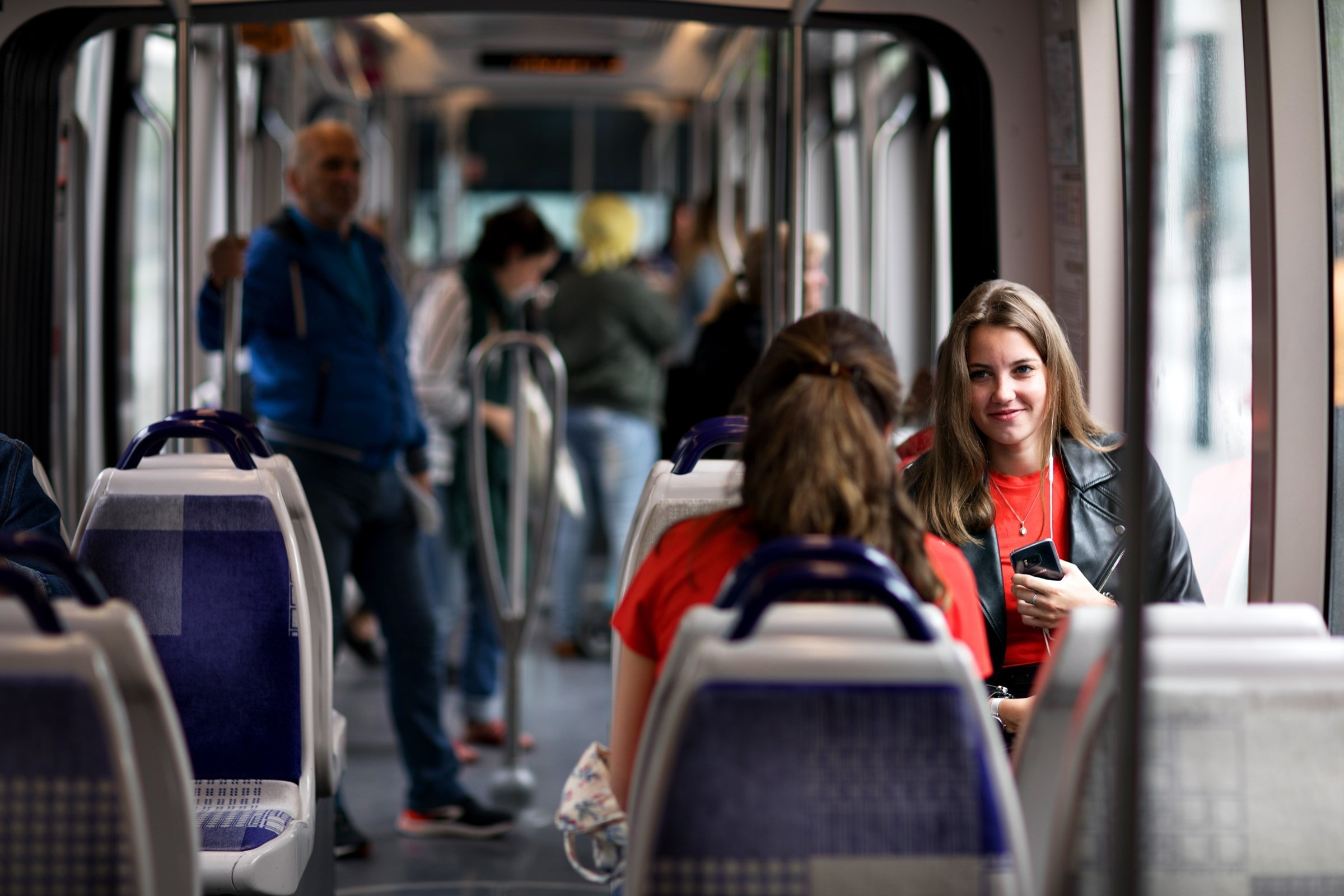 Transdev_tramway_passagers
