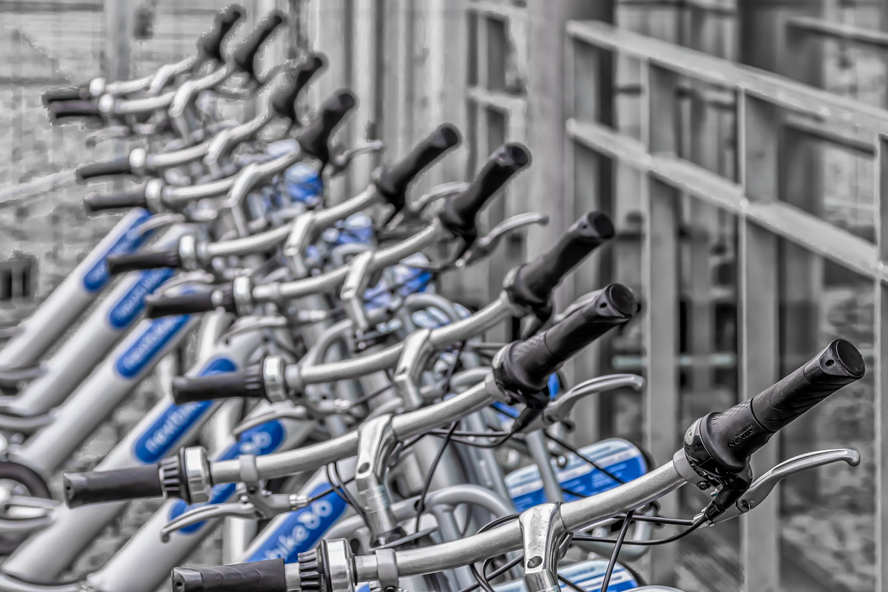 e-bikes in NYC waiting for a rider